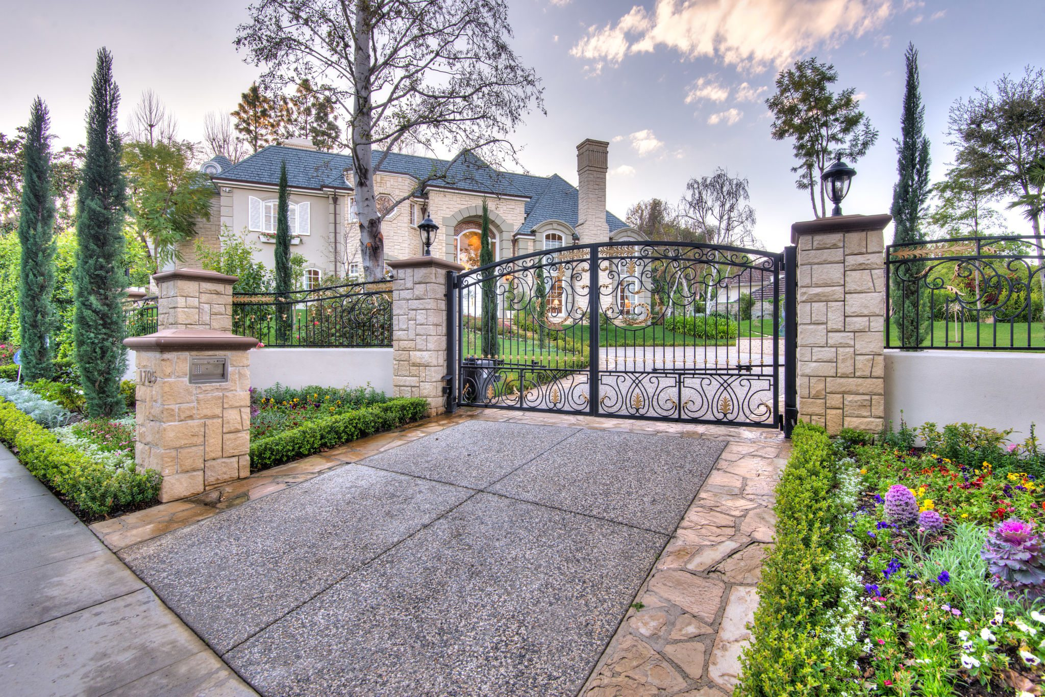 Beverly Hills, Celebrity Homes, Home + Design, Los Angeles, Luxury on michael jackson designs, flowers designs, home decor designs, martha stewart designs, photography designs, home improvement designs, beyonce designs, interiors designs, health designs, foreclosure designs, tips designs, real estate designs, design designs, kanye west designs, mansion designs, fashion designs, victoria beckham designs,