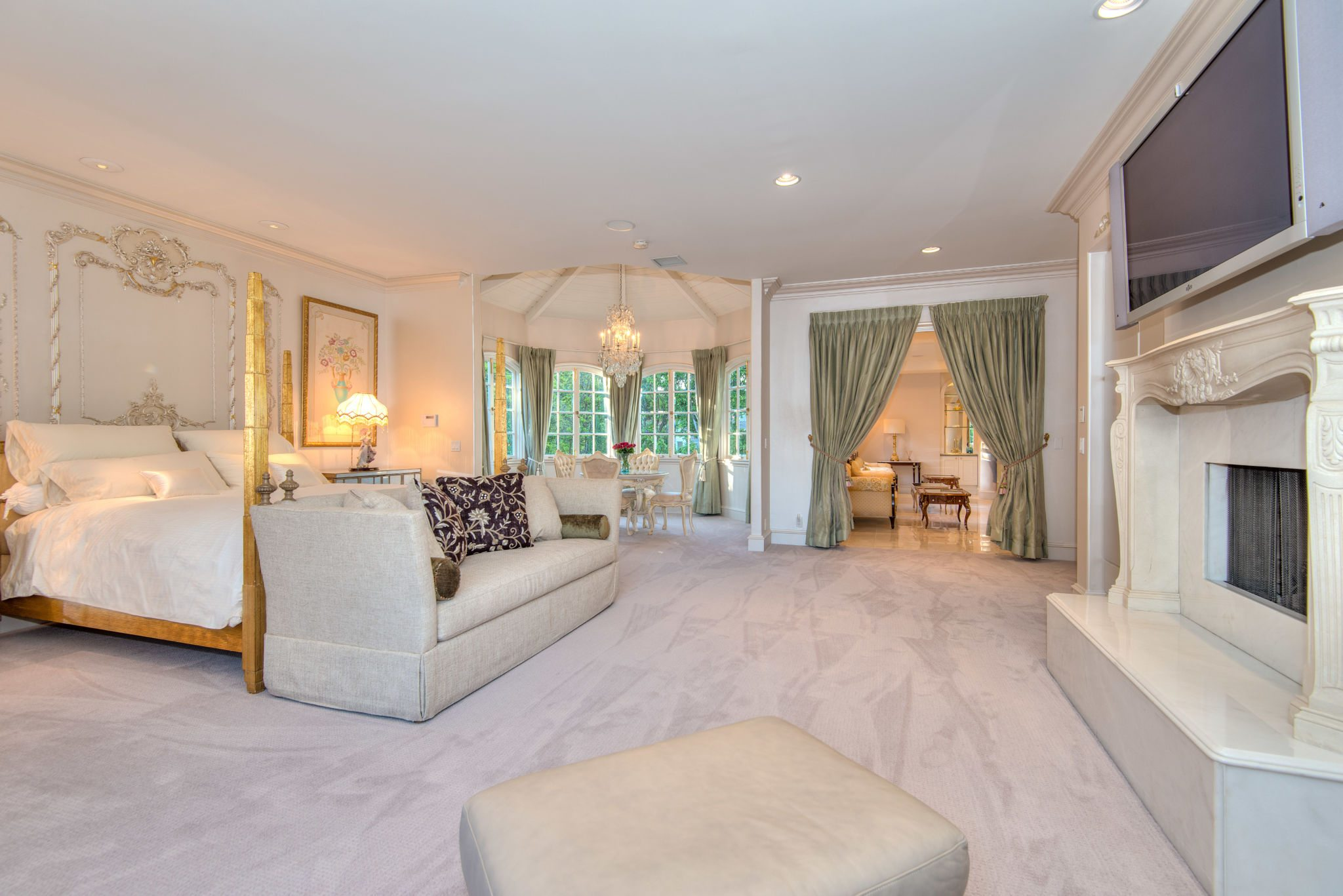 Jackie Chan S Former Beverly Hills Home Is Ready For