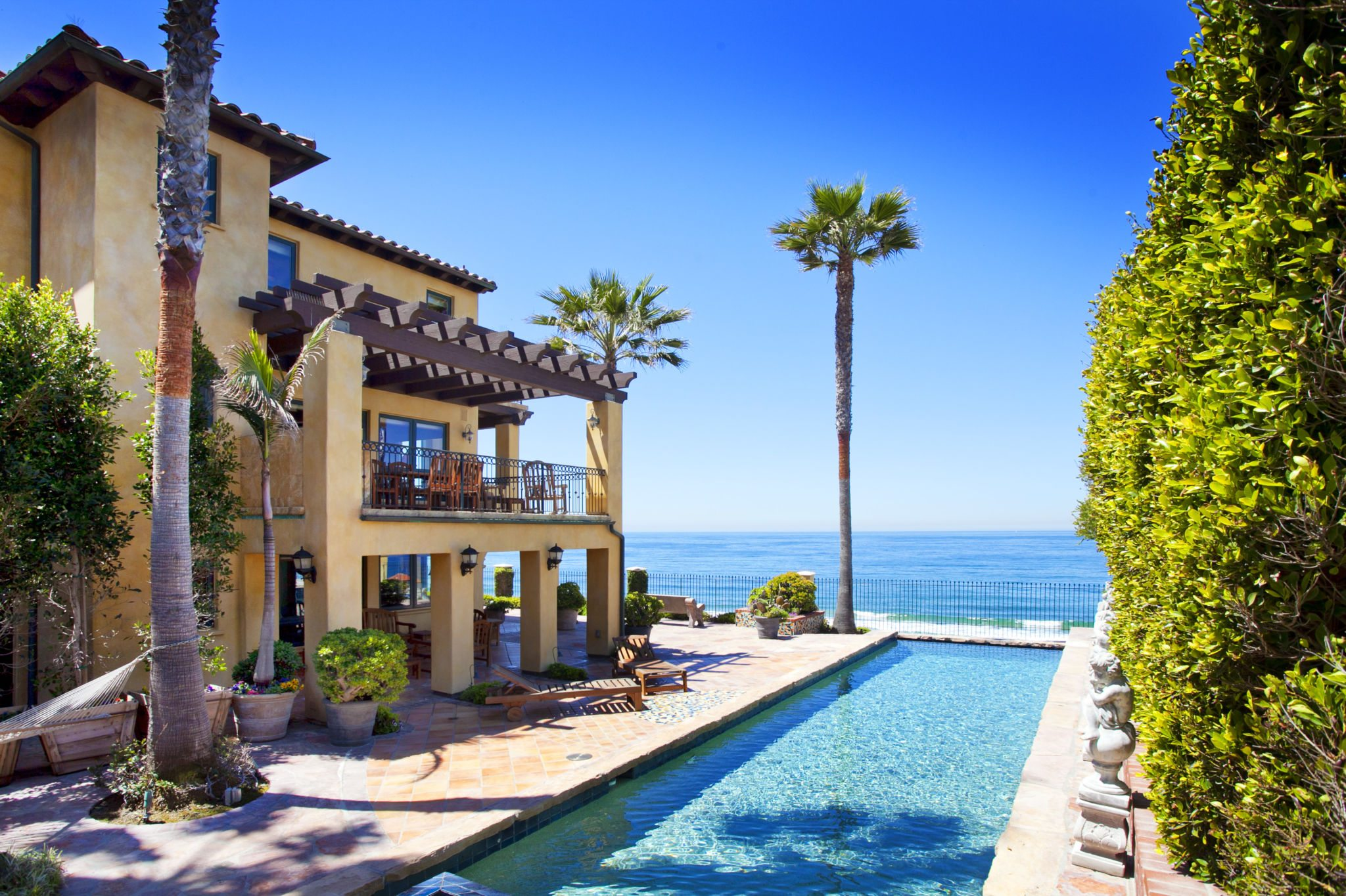 Extraordinary home of the week redondo beach spanish for Los angeles luxury homes for sale