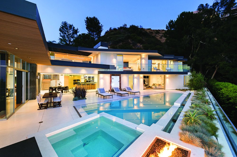 Extraordinary home of the week hollywood hills for Modern homes hollywood hills