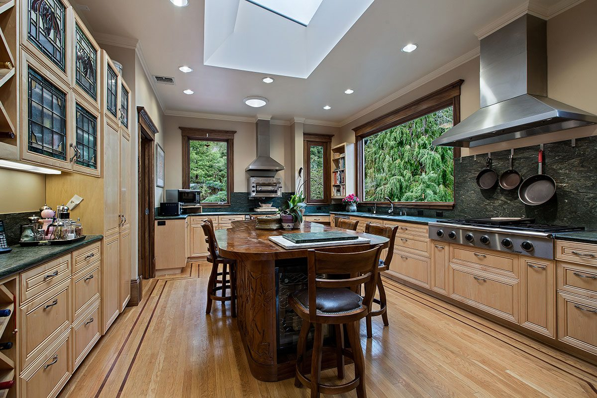 18Kitchen with Views of Buena Vista Park and BV415#VLOT