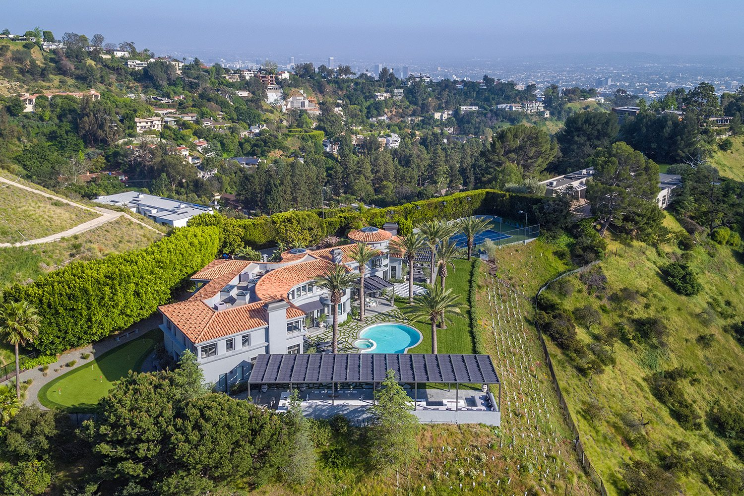 Cali Comparables The UltraLuxury Edition What M Buys You In - Take look around luxurious property beverley hills