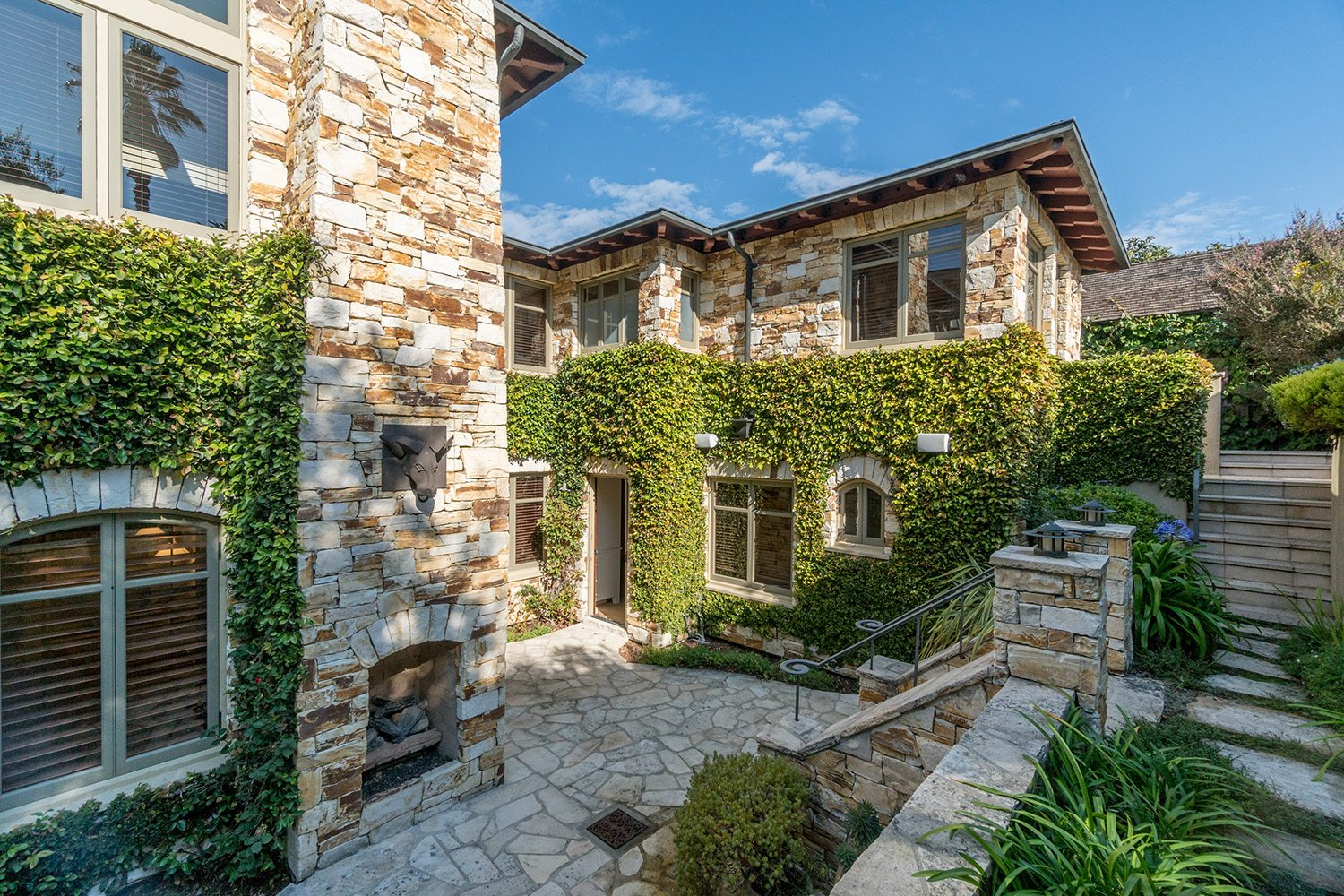 Extraordinary home of the week carmel point view house for Carmel house
