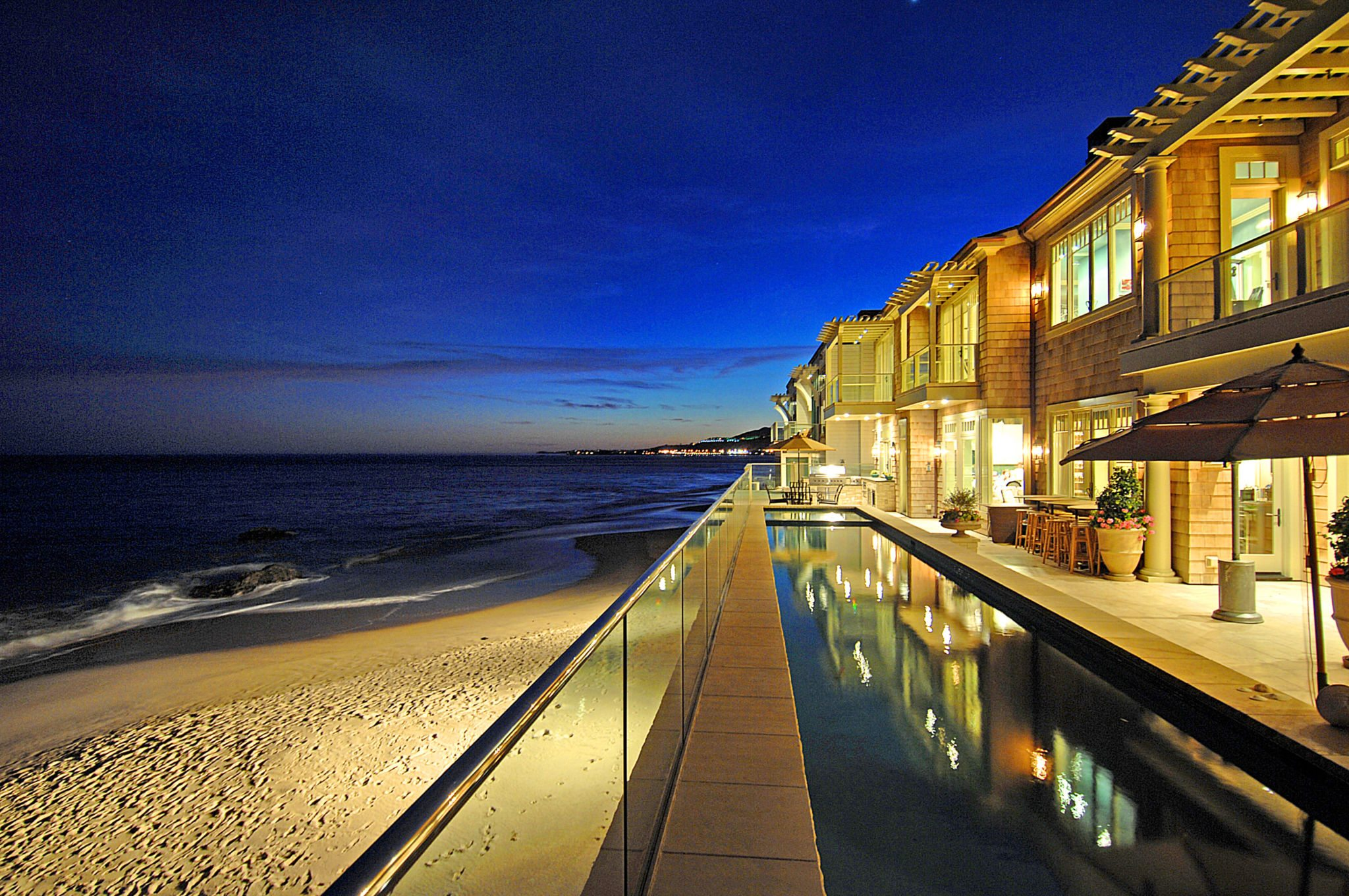 Extraordinary Home of the Week: Beachfront Estate on