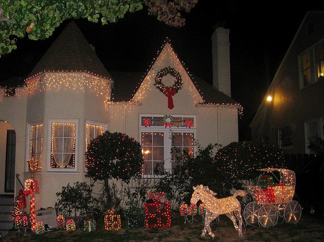 Three Tips For Elegant Outdoor Holiday Decor California Home