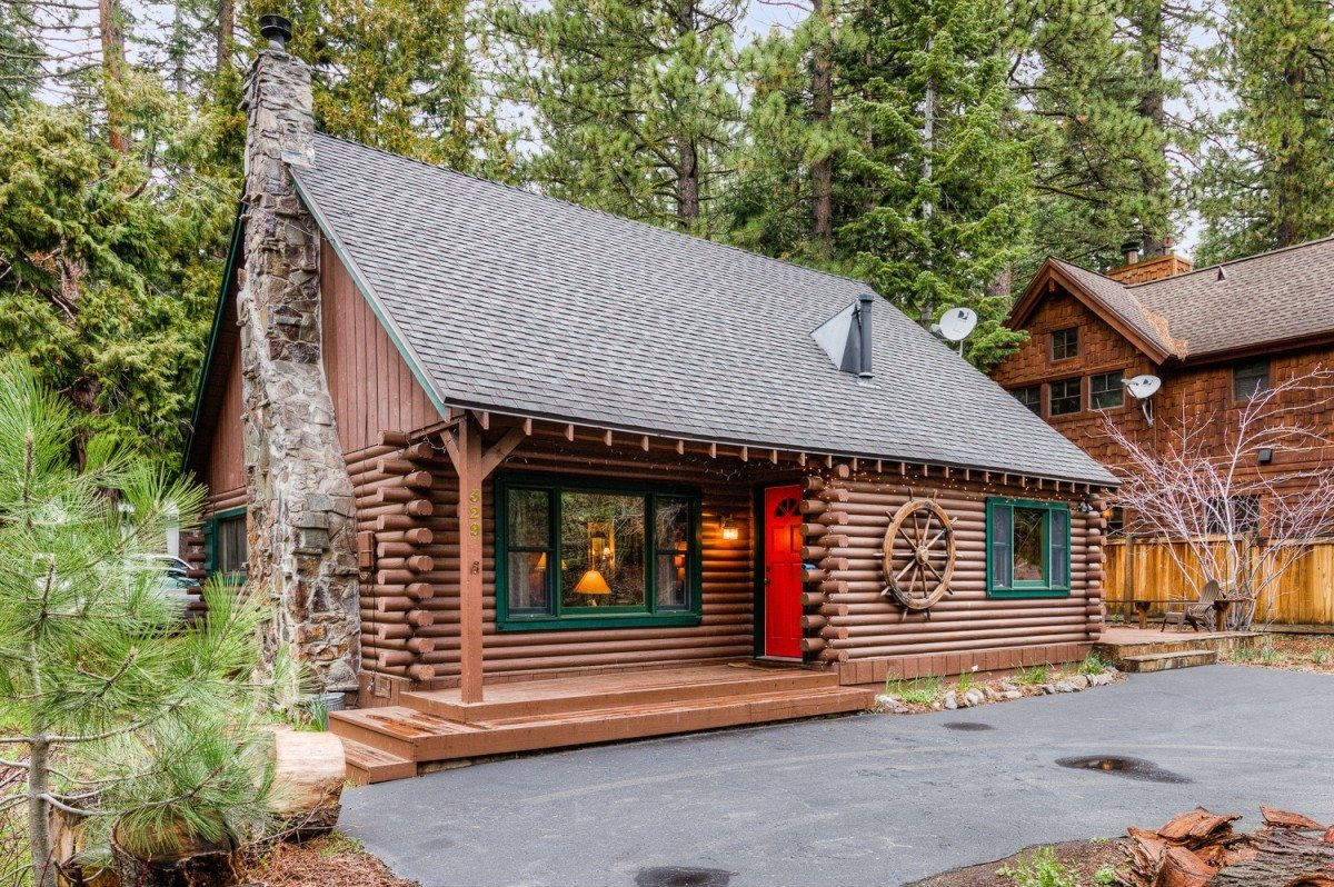 Summertime Love For Log Cabins California Home