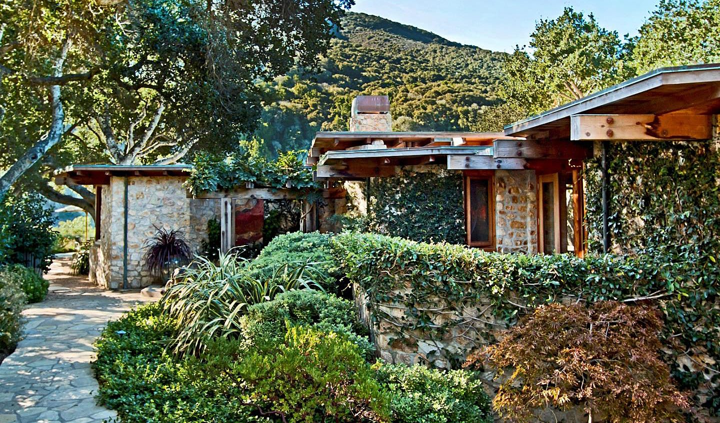 Livable luxury frank lloyd wright inspired residence in for Frank lloyd wright houses in california