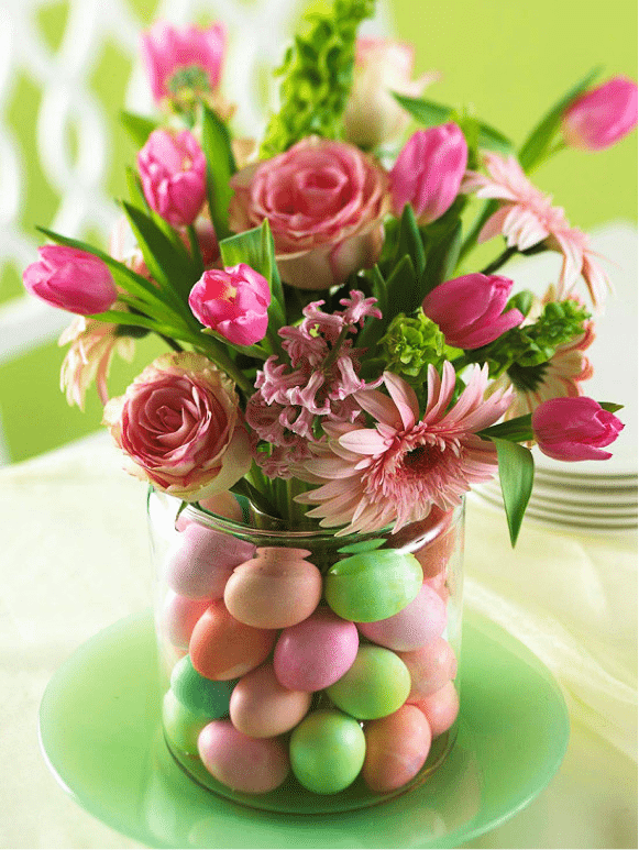 Easter Entertaining: Egg Centerpiece