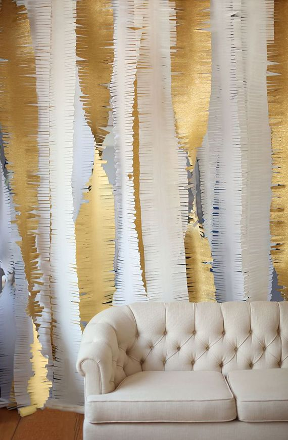 gold-fringe-photo-backdrop