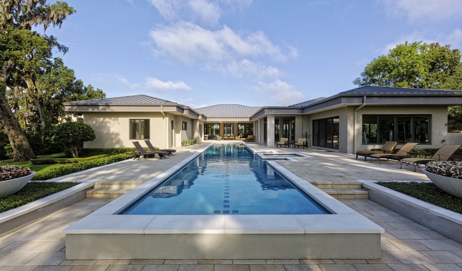 Sizzling Luxury Homes In The Summer Edition Of Homes