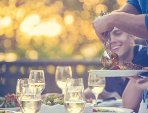 Hosting Thanksgiving Outdoors: Tips for a Flawless Celebration